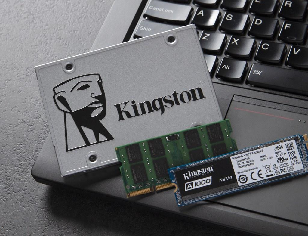 Mémoire Kingston, module, SSD 2,5pouces et SSD M.2 sur un PC portable