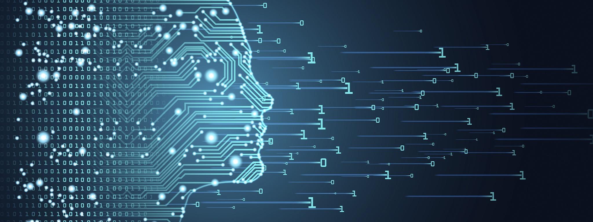 """Zarys twarzy sztucznej inteligencji z płytką drukowaną i """"przepływem"""" danych kodu binarnego na niebieskim tle"""