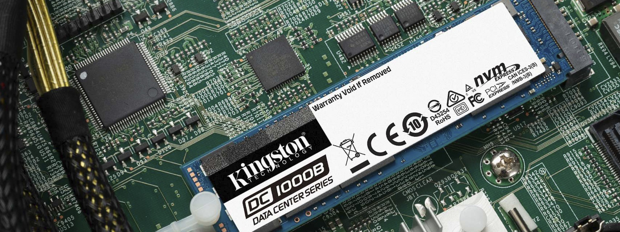 主機板上安裝 Kingston  DC1000B NVMe SSD 固態硬碟