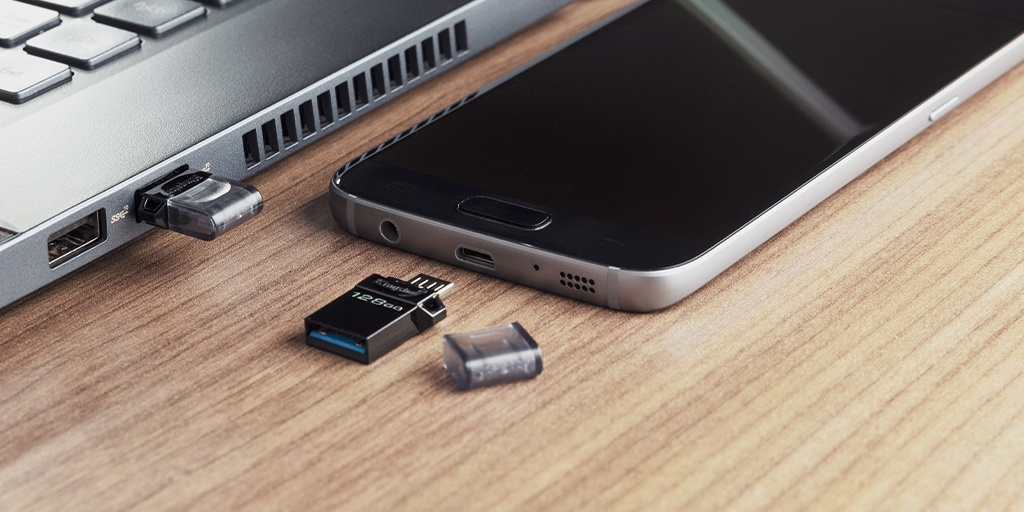 Dual interface USB Type-A and microUSB