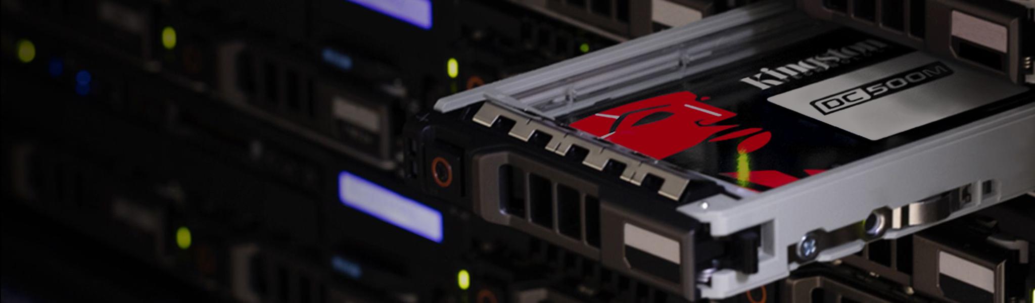 Kingston Server SSD in einem Serverschrank